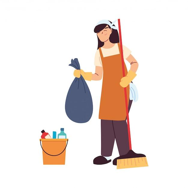 Mujer de servicio de limpieza con guantes y utensilios de limpieza