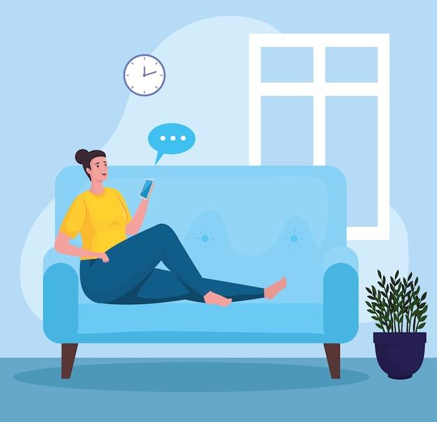 Mujer con smartphone para reunirse en línea en el sofá