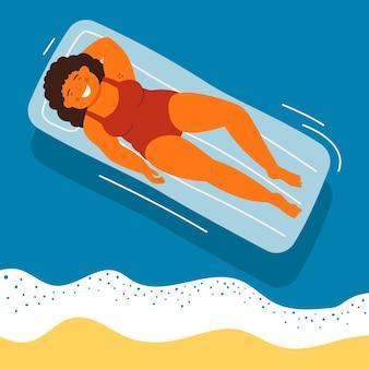 Mujer sonriente acostada sobre colchones de aire en la piscina. chica joven relajándose y tomando el sol en la vista superior. ilustración de personaje de vector de vacaciones de verano en el mar, fin de semana en el resort, recreación de verano.