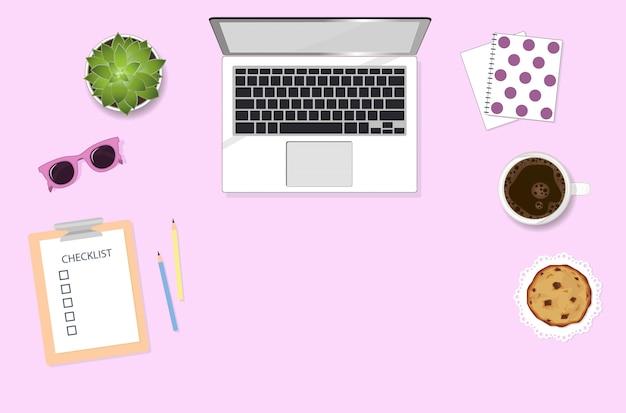 Mujer trabajando escritorio con computadora, café, gafas de sol y planta. ilustración gráfica de endecha plana femenina