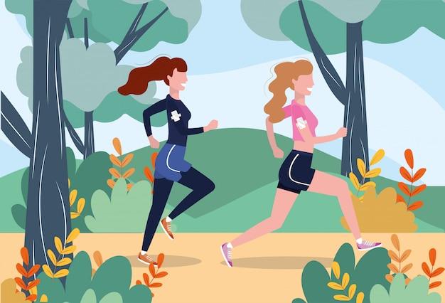 Mujeres corriendo practicando ejercicio fitness