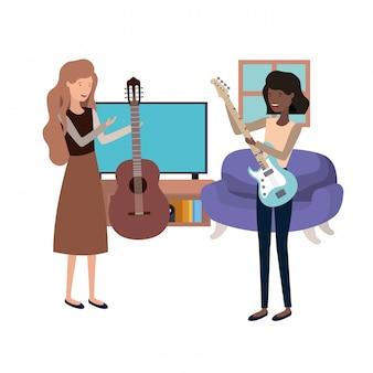 Mujeres con instrumentos musicales en el salón.