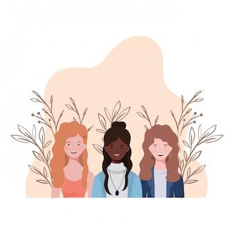 Mujeres jovenes con paisaje