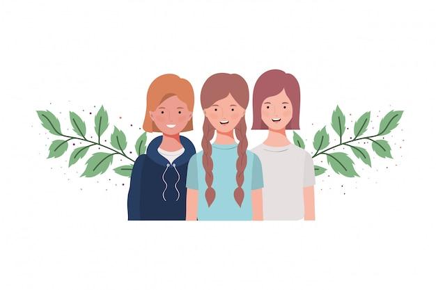 Mujeres jóvenes con ramas y hojas.