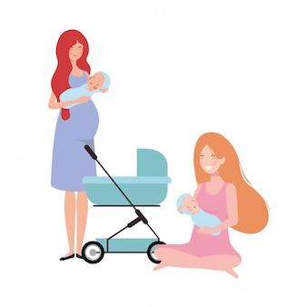 Mujeres de pie con un bebé recién nacido en cochecito