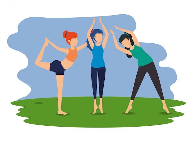 Las mujeres practican posición de ejercicio de yoga