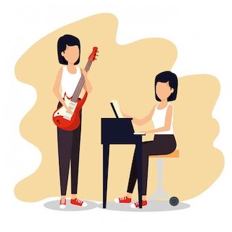 Las mujeres tocan instrumentos musicales al festival de jazz