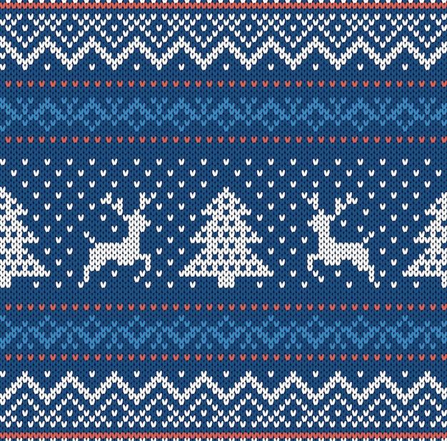 Navidad tejer adornos geométricos con alces y árboles de navidad en una fila. tejido de fondo con textura. patrón sin costuras de punto