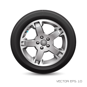Neumático de coche de rueda de aluminio en el fondo blanco