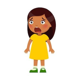 Niña asustada india intensa emoción en la cara temores de los niños de psicología