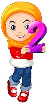 Niña musulmana con hijab sosteniendo el número dos de matemáticas