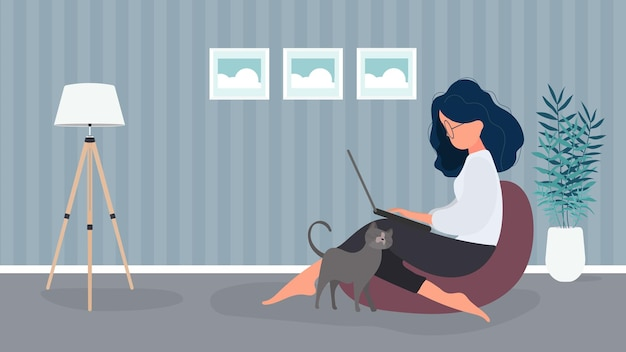 La niña se sienta en una otomana y trabaja en una computadora portátil. una mujer con una computadora portátil se sienta en un puf grande. el gato se frota contra la pierna de la niña. el concepto de trabajo cómodo en la oficina o en casa. vector.
