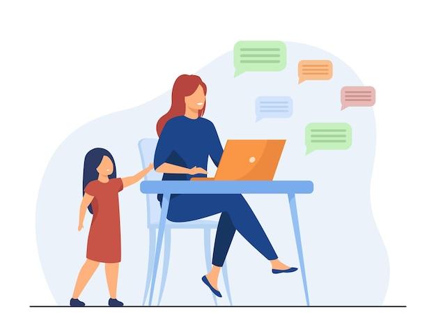 Niña solitaria de pie y mamá charlando en las redes sociales. laptop, niño, ilustración plana de padres. ilustración de dibujos animados