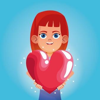 Niña sonriendo con dibujos animados de gran corazón