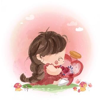 Una niña traviesa con una botella de vidrio en forma de corazón