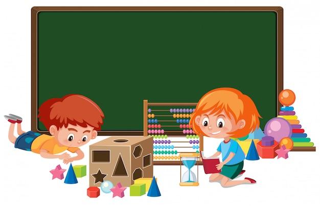 Niño con banner de juguete de matemáticas