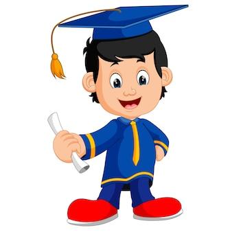 Niño feliz después de la graduación
