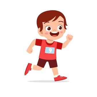 Niño feliz tren correr maratón trotar