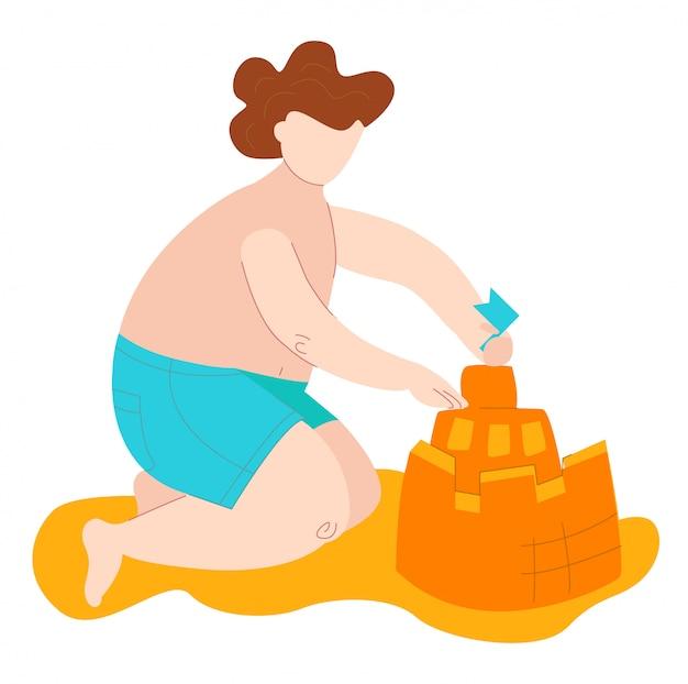 El niño gordo positivo del cuerpo en trajes de baño en el mar construye el castillo de arena, el chid caucásico más el tamaño aislado en la ilustración plana blanca.