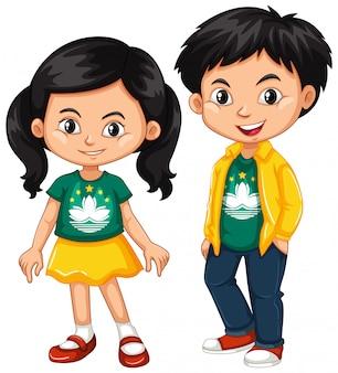 Niño y niña felices vistiendo camisa con la bandera de macao