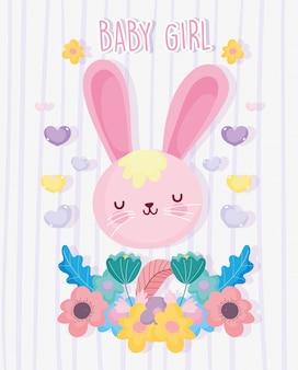 Niño o niña, el género revela que es una niña linda tarjeta de corazones de flores de conejo