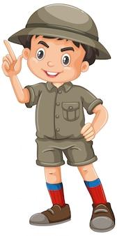 Niño vistiendo traje de safari en blanco