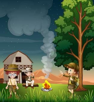 Niños cerca de la fogata