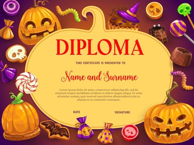 Niños diploma dulces de halloween y calabaza.