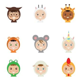 Niños en disfraces de animales