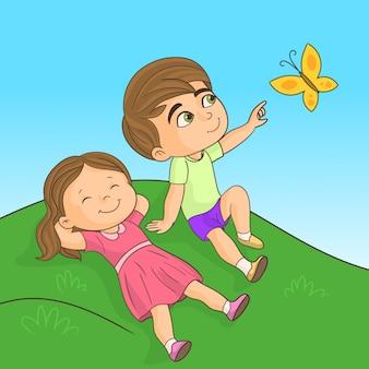 Niños fuera mirando mariposa
