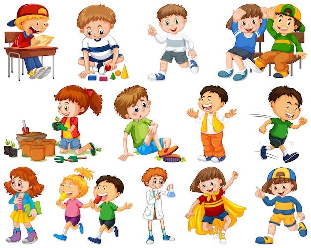 Niños en grupo grande actuando nuestros roles varoous.