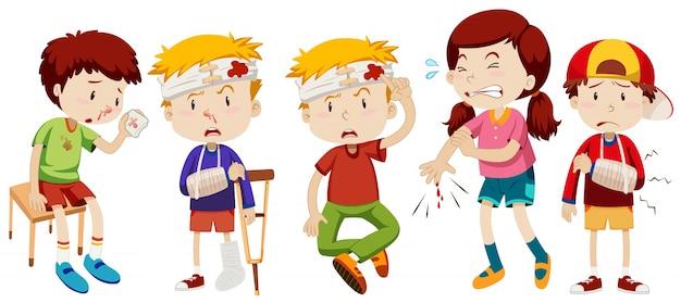 Los niños con heridas de accidente