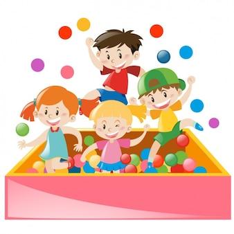 Niños jugando con pelotas