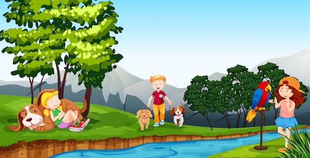 Niños jugando por el río.