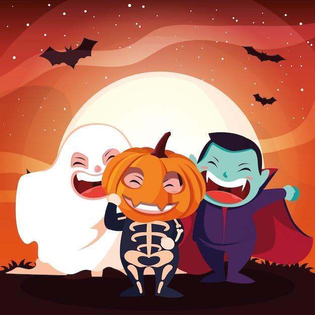Niños lindos disfrazados para halloween
