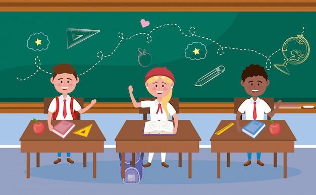 Niños y niñas estudiantes en el escritorio con libros.