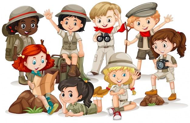 Niños y niñas juntos en grupo en blanco