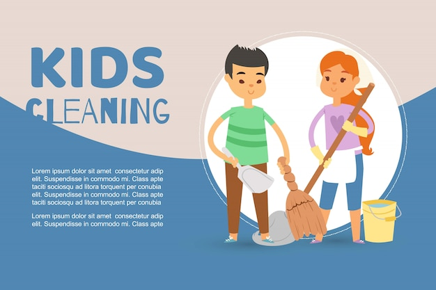 Niños ocupados limpiando apartamentos y ayudando a la plantilla madre