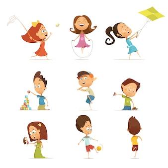 Los niños que juegan la historieta fijó con la ilustración aislada del vector de los símbolos de la cometa y del fútbol