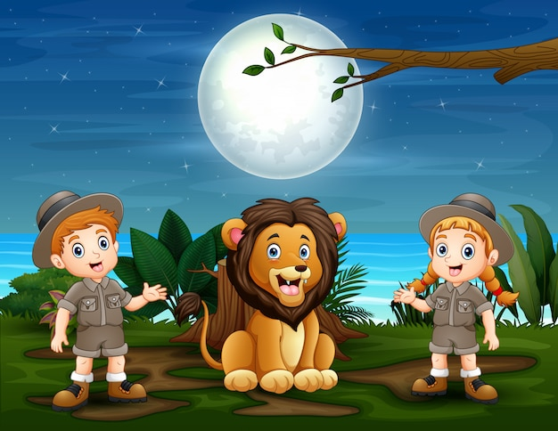 Los niños safari con león en la naturaleza