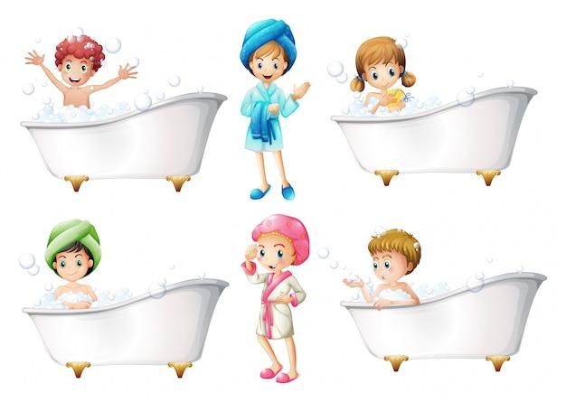 Niños tomando un baño