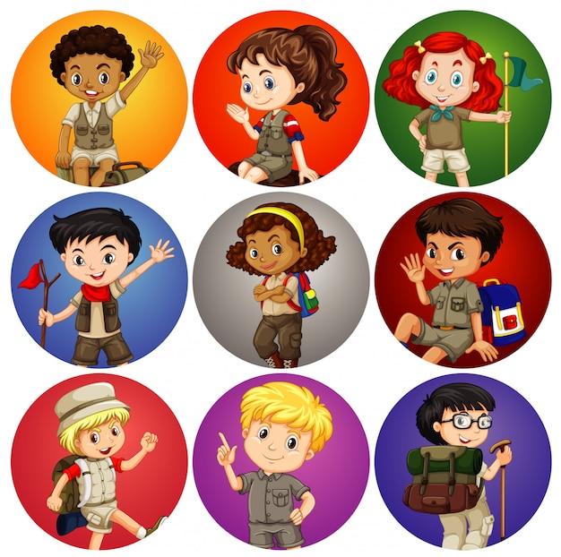 Niños en traje de safari en diferentes antecedentes
