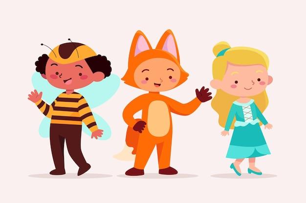 Niños vestidos con disfraces de carnaval de animales.