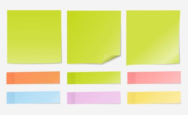 Nota de papel verde claro con conjunto de índice
