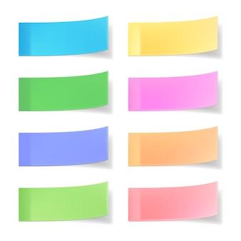 Notas adhesivas vectoriales de colores aislados en blanco
