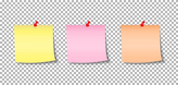 Notas de papel fijadas por un botón