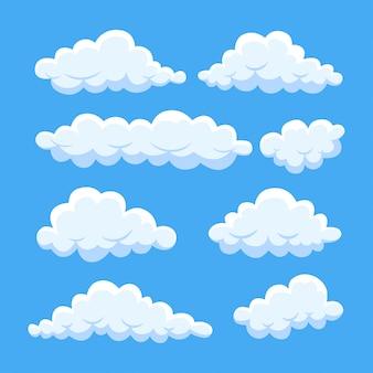 Nubes de dibujos animados en el cielo azul. cloudscape aislado en el fondo.