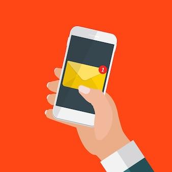Nuevo correo electrónico en el concepto de notificación de la pantalla del teléfono inteligente