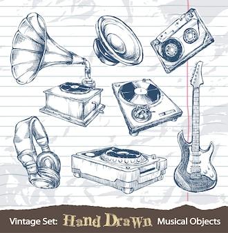 Objetos musicales vintage dibujados a mano
