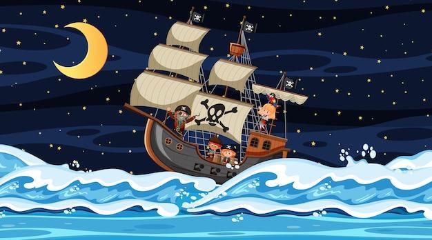 Océano con barco pirata en escena nocturna en estilo de dibujos animados
